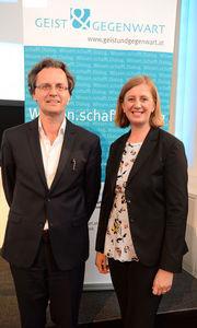 Landesrätin Barbara Eibinger-Miedl mit Bernhard Pörksen. © Thomas Fischer