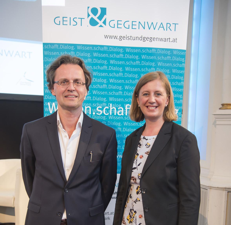 Medienwissenschaftler Bernhard Pörksen referierte auf Einladung von Wissenschaftslandesrätin Barbara Eibinger-Miedl in Graz (© Foto Fischer)